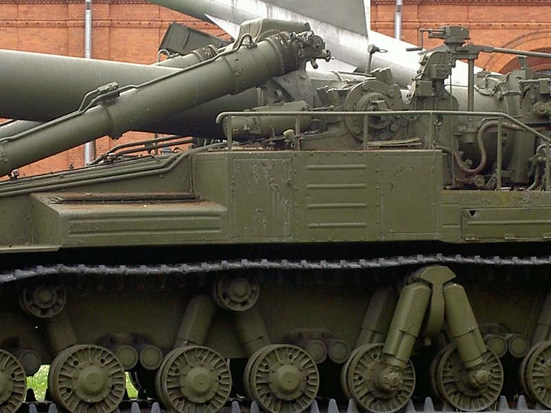 420mm 2B1 Oka Self-Propelled Gun-Mortar 4