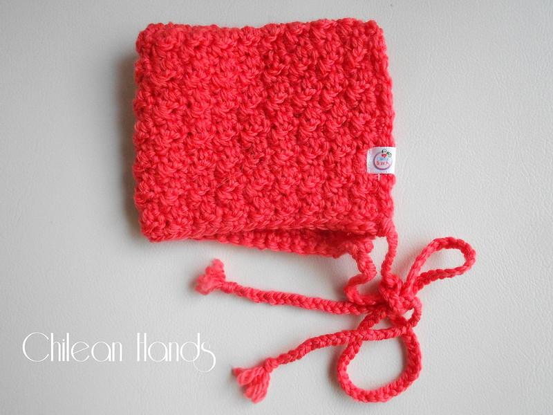 gloves and crochet hooks 022