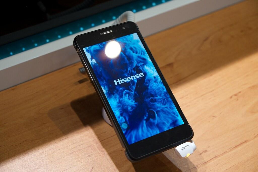 Hisense smartphone | Mobile World Congress 2015 | Kārlis