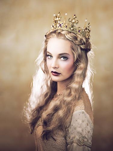 woman model princess queen angry brenizer precisioncamera