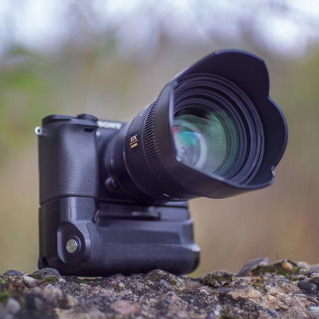 SONY ⍺6000 & Sigma EX 50mm ƒ/1.4 DG HSM on VILTROX EF-NEX III - seen by ZEISS Planar 1.4/50mm