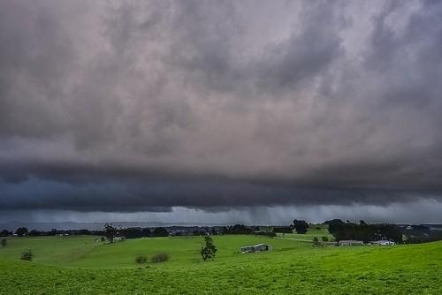 phunnyfotos australia victoria vic warragul gippsland westgippsland rural farm farmland cloud clouds weather nikon nikond750 d750 bawbaw paddock rain raining storm stormy green grass skies winter landscape