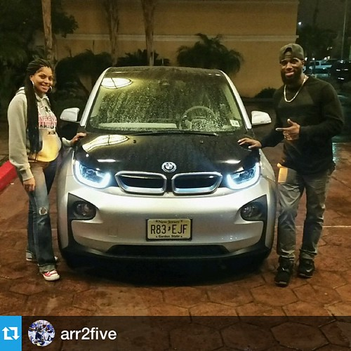 Much love and respect f#KyleArrington @AA2Five for representing for #HelloFuture #AutomotiveRhythms @bmwusa @automotiverhythms ・・・  #Repost @arr2five- Thank you #BMW for letting us drive and experience the all new  electric 2015 BMW i3 for Super Bowl week Photo