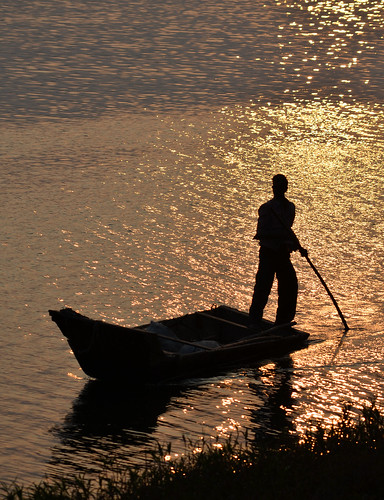 travel sunset india silhouette river boat nikon maheshwar d5100