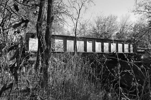 Pony Girder Railroad Bridge over Cottonwood Creek, Allen, Texas 1411261343bw