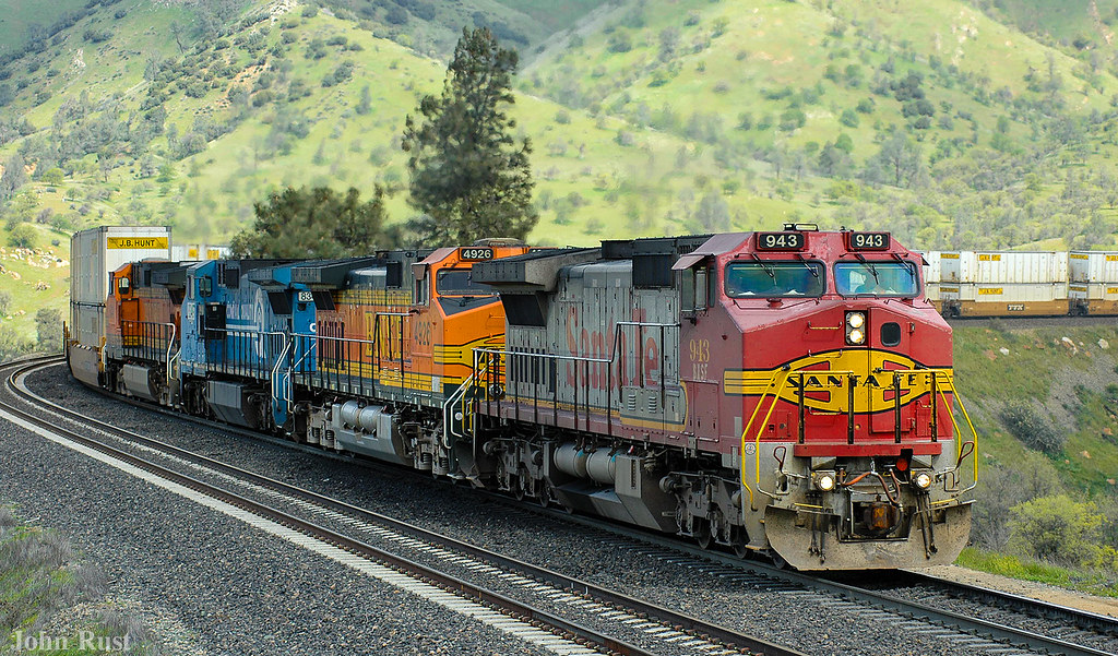 BNSF 943 | Lots of Warbonnets around yet as of this date   M