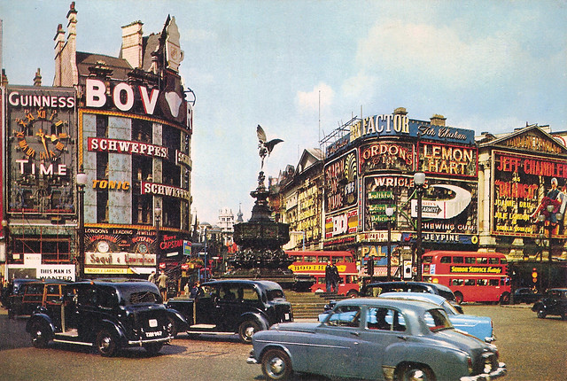 Piccadilly Circus: 1957