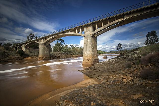 Puente sobre el Tinto