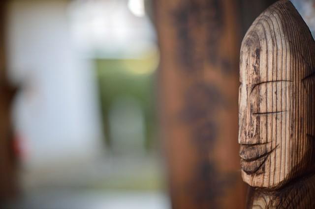 Enku style Buddhist statue of