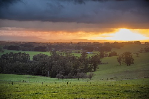 phunnyfotos australia victoria vic westgippsland warragul ellinbank warragulsouth sunrise dawn farm farming dairy rural landscape sky skies winter weather nikon d750 nikond750