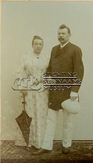Dubbelportret van echtpaar | by Stichting Surinaams Museum