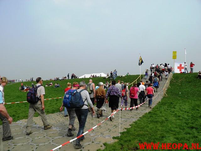 16-04-2011     Rode-Kruis   Bloesem   wandeltocht 26 Km (103)