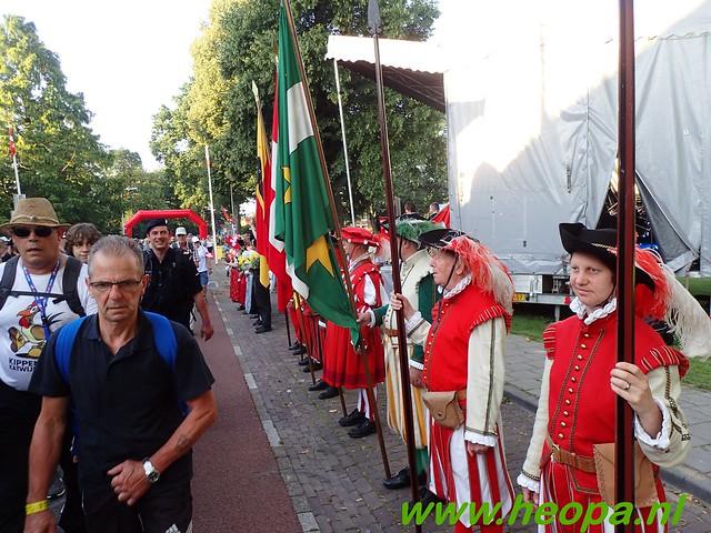 2016-07-19   1e dag Nijmegen    40 Km (25)