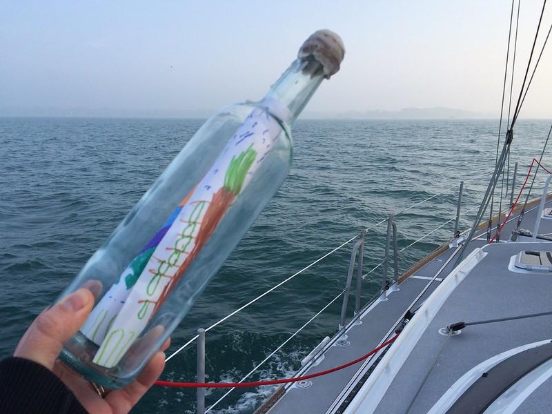 Flaschenpost auf dem Weg