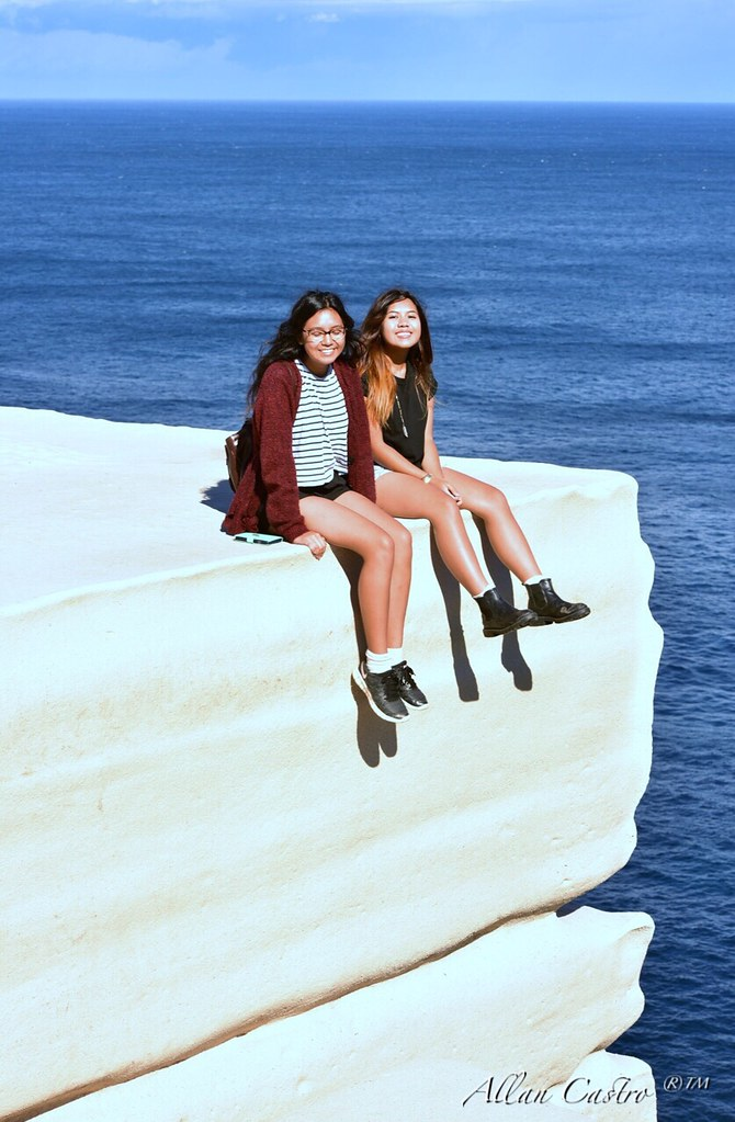 My Daughters At The Wedding Cake Rock Bundeena Cliffs Ro Flickr