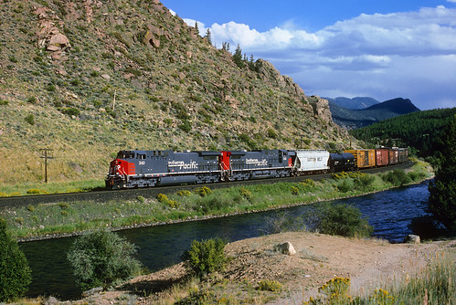 railroad train colorado sp co granite ge arkansasriver southernpacific freighttrain tennesseepass ac4400cw royalgorgeroute newlocomotives formerriogrande