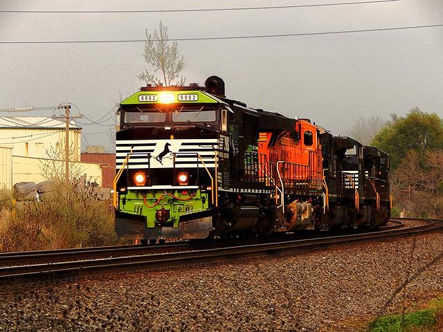 NS Go Rail unit at Kendallville Indiana