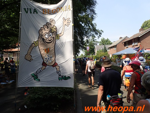 2016-07-21   3e  dag Nijmegen   40 Km  (144)
