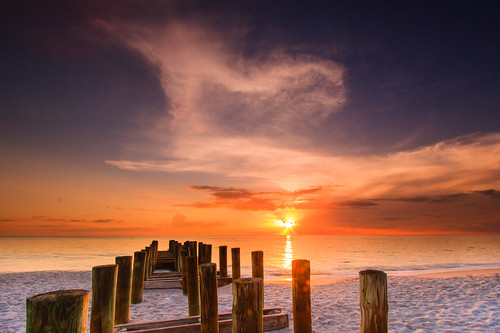 sunset canon naples coast beach sand cloud sky colours florida america roadtrip filters leefilters 1022mm 60d longexposure