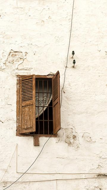 Dentelle dans le fenêtre