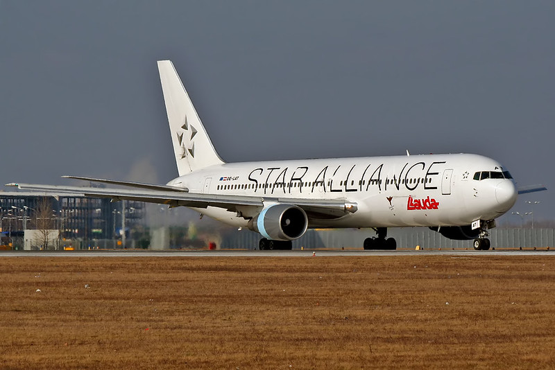 OE-LAT / © Airliners.sk