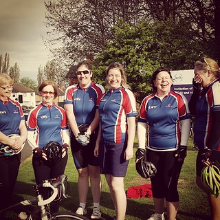 Much merriment as some of the #lwvelo ladies await the arrival of the @leicestermercury photographer this morning...
