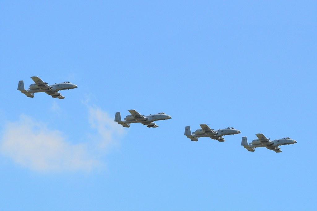 A10 (10) @ RAF Leeming 19-07-16