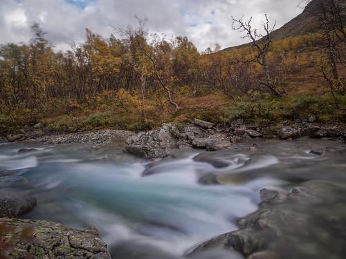 landschaft flussflussbett norwegen stimmungenjahreszeiten streiseziele herbst langzeitbelichtung techniken sognogfjordane no