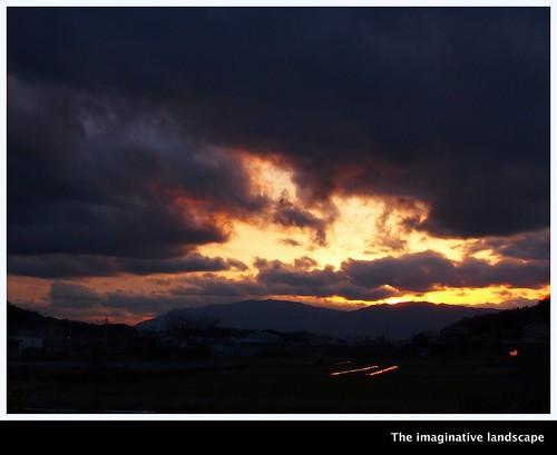 theimaginativelandscape ealabo olympuspenep3 fuwaryôsuke yamato nara japan 桜井 大和 泊瀬路 sunset 葛城山 金剛山 clouds mountains 奈良