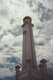 Sultan Omar Ali Saifuddin Mosque [2]