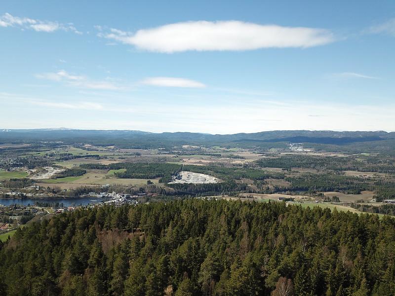 30-Utsikt mot Hoensmarka fra Krukekollen (drone)