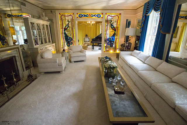 Elvis' Living Room at Graceland - Memphis (Tennessee)