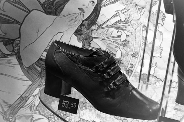 Archiv Schuh03 Schaufenster-Deko, Schlatholt Schuhe Bottrop, 1960er