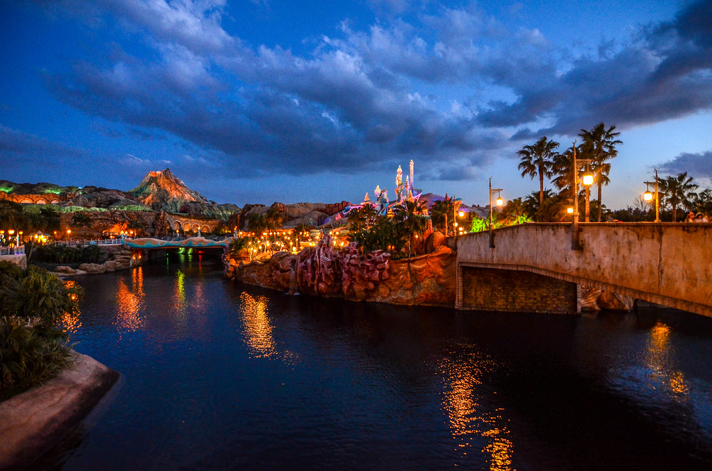 Mermaid Lagoon Volcano blue sky water TDS
