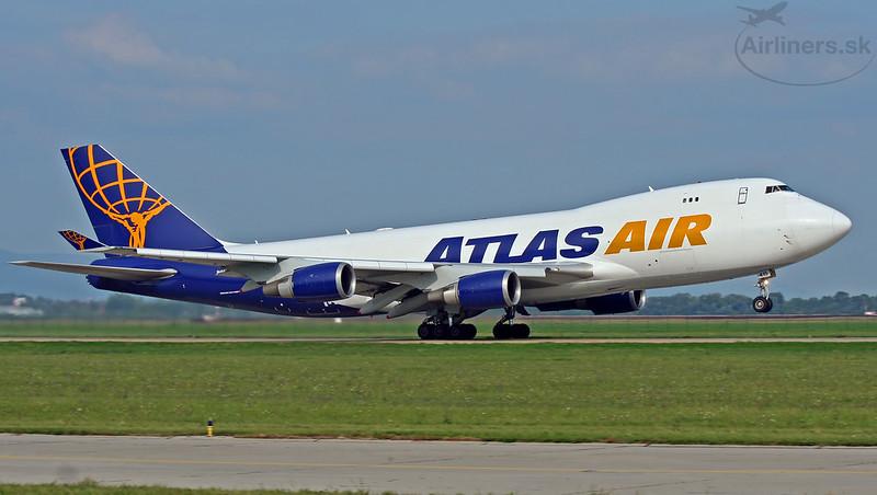 N415MC Atlas Air Boeing 747-47UF