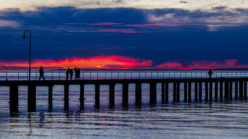 landscape winter sigma pier morningtonpeninsula outdoor canon clouds 6d silhouette portphillip cloud dog seascape sigma24105 victoria calm bay foreshore canon6d dromanaforeshore dromana ocean cold dusk sunset dslr australia water dromanapier portphillipbay 24105 people melbourne