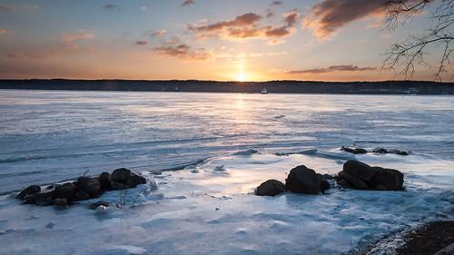 winter ice sunrise hudsonriver esopusmeadows