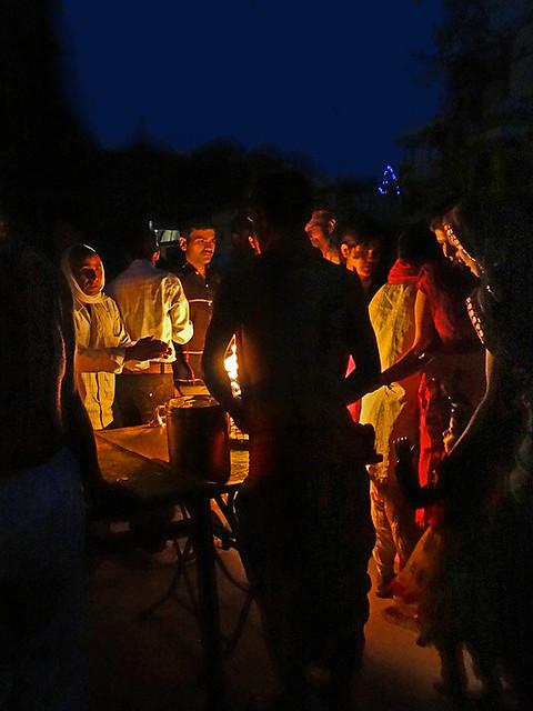 La cérémonie de l'Arti sur le Ram Ghat (Ujjain, Inde)