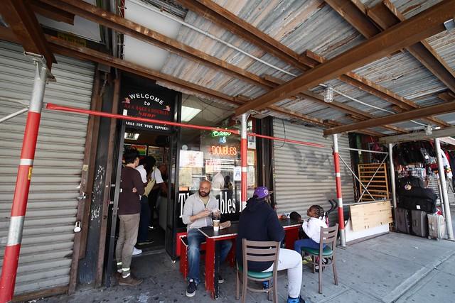 土, 2015-05-02 11:48 - A&A Bake & Doubles Shop