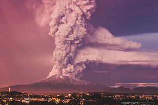 Erupción Volcán Calbuco 22/04/2015   by Jorge Nauto Fotografía