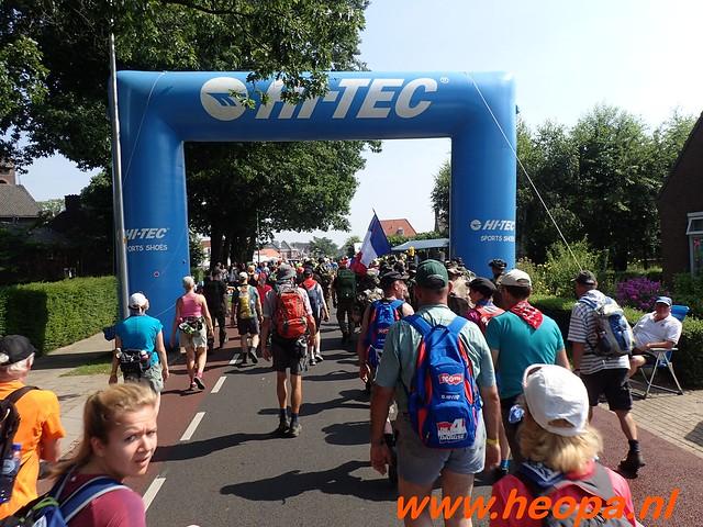 2016-07-21   3e  dag Nijmegen   40 Km  (85)