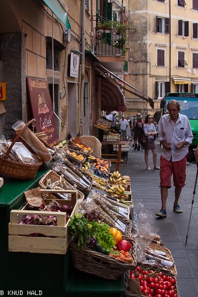 Streetlife in Venazza