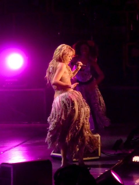 Shakira - The Sun Comes Out World Tour - Bercy, Paris (2010)