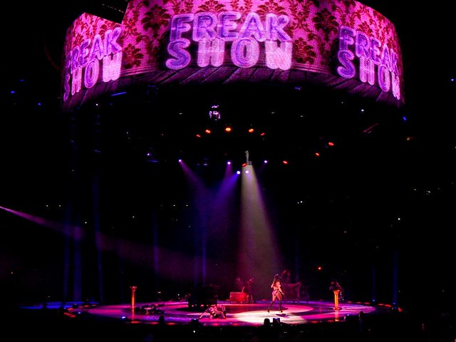 Britney Spears - The Circus Starring Britney Spears - Bercy, Paris (2009)