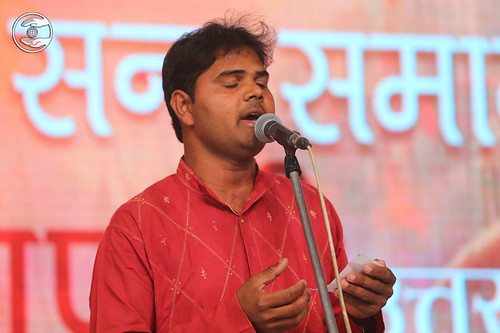 Devotional song by Dharmendra from Mirzapur