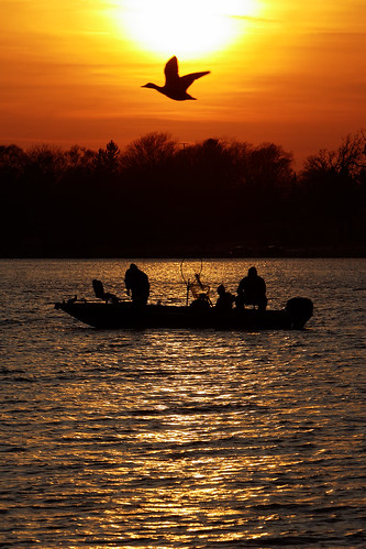 sunset wisconsin duck fishing silouette foxriver sunsetonthewater depere