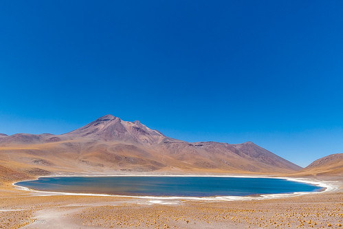 Laguna Miscanti & Miñiques volcano | by Phil Marion (173 million views - THANKS)