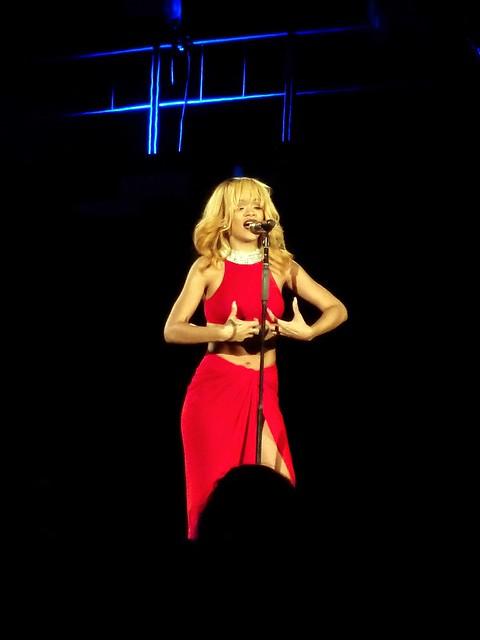 Rihanna - Diamonds World Tour - Stade de France, Paris (2013)