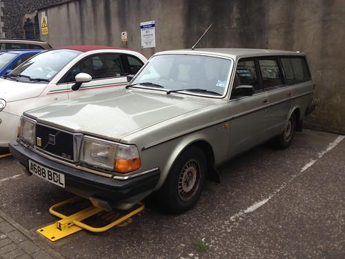 1983 Volvo 240 GLE 2.3 Auto Estate   by GaryCox