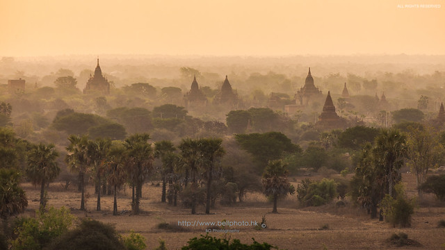 Sunrise on Pagoda :: Bagan (蒲甘), Myanmar